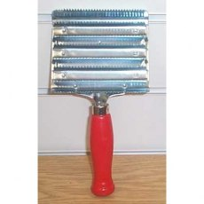 Large Metal Curry Comb